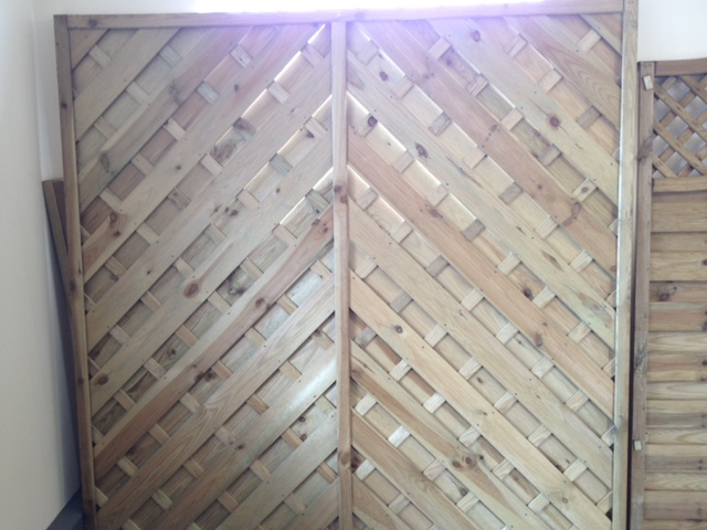 ely-panel-fencing