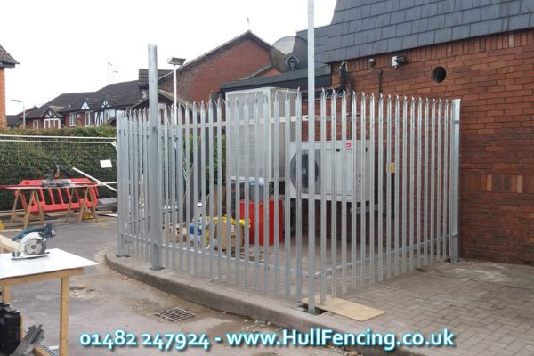 Palisade Fencing in Hull